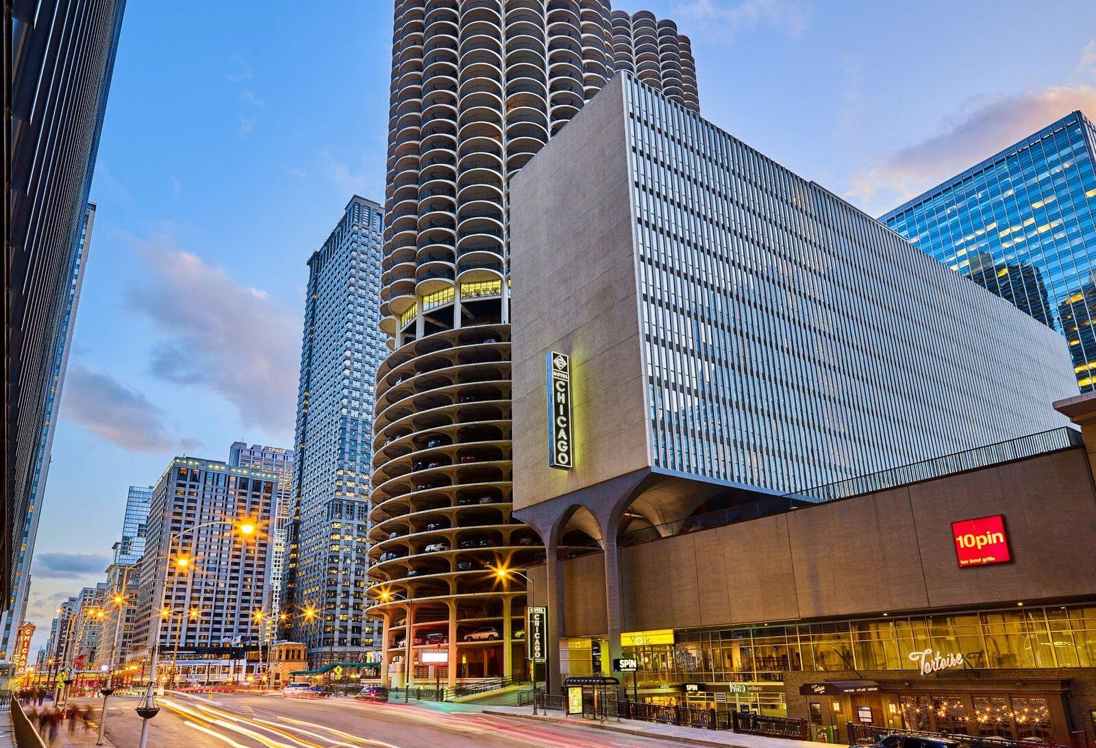 Hotel-Chicago-Exterior
